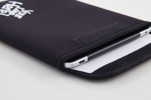 Neoprene ipad/tablet case.